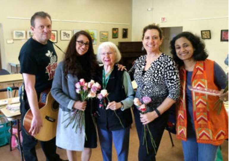 In honor of National Random Acts of Kindness Day, dozens of community members in Saratoga, Florida pulled off their best selfless gestures, including buying each other lunch and handing out flowers to random people on the street.