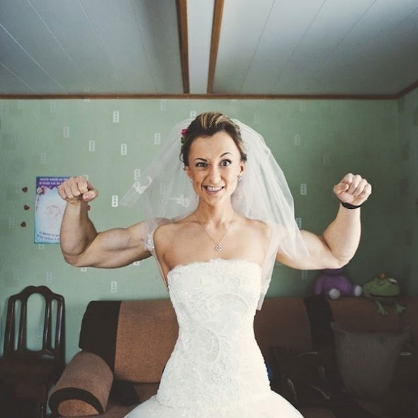 When the bride is more swoll than the groom.