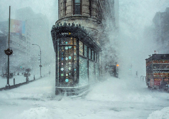 Jonas Blizzard And The Flatiron Building, New York, United States