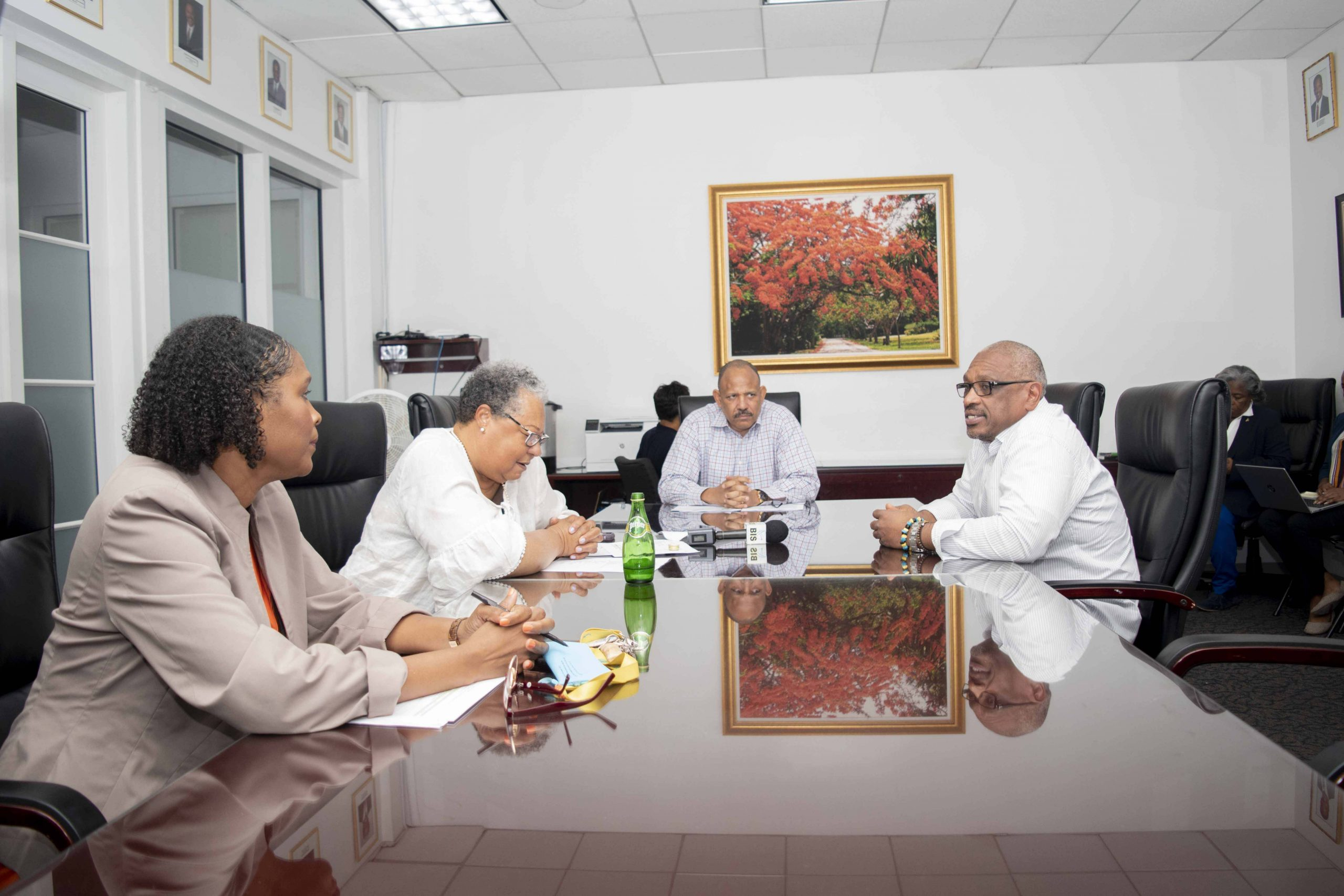 Prime Minister Minnis visits Ministry of Health