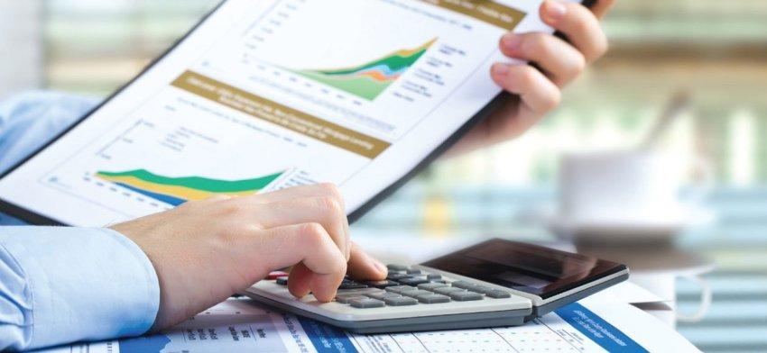 A maioria dos investidores escolhem fundos mútuos de investimento com base no desempenho obtido no passado pelo fundo.