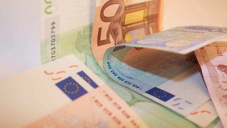 Në Ditën e Punëtorëve, qeverisë i kërkohet që paga minimale të bëhet 350 euro