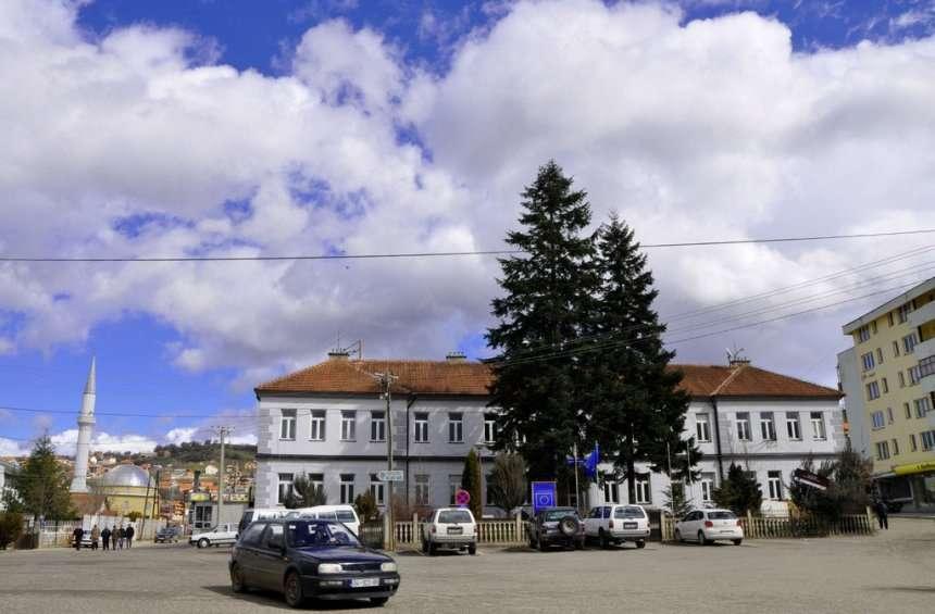 Komuna e Dragashit pritet të bëhet me dy autoambulanca të reja