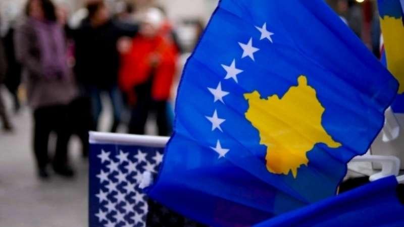 Edi Rama pret Qeverinë e Hotit me flamuj të Kosovës