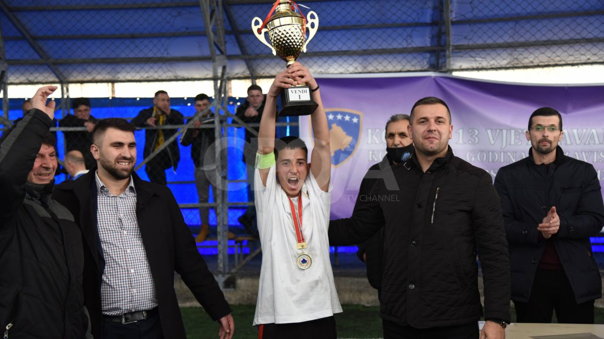 Përmbyllen aktivitet sportive të organizuara për nder të Pavarësisë (Video, Foto)