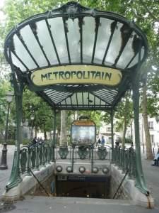 Stacja wmetraAbbesses projektu Hectora Guimarda.