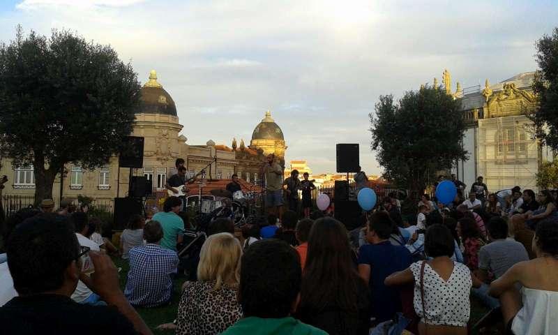 Ve městě to večer žilo koncerty