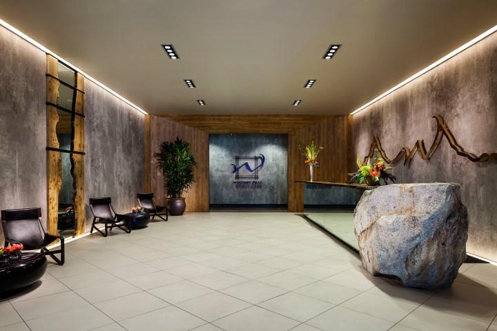 whitney-peak-lobby-1