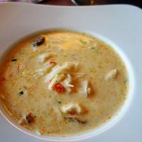 Varmende thaisuppe