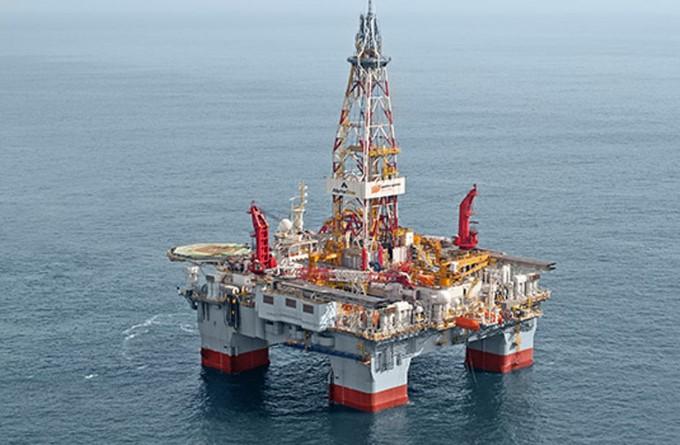 Petrobras renova contratos de três plataformas da