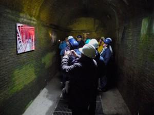 Gemetselde ondergrondse watergangenstelsel van het droogdok