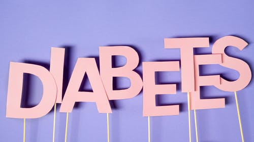 मधुमेह के लक्षण कारण प्रकार और आहार उपचार