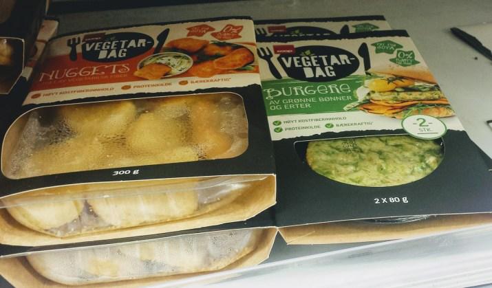 Er veganske kjøtterstatninger pølser sunnere enn kjøttprodukter?