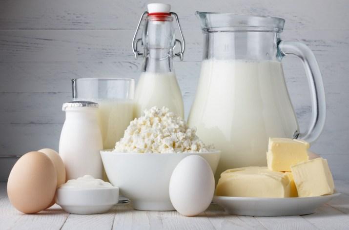 Internasjonale melkedagen - melk øker risiko for kreft i prostata, er kilde til mettet fett og bidrar til unødvendig klimagassutslipp