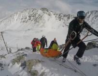 Спасители сбъднаха мечта на обездвижено момче – качиха го на връх Мусала