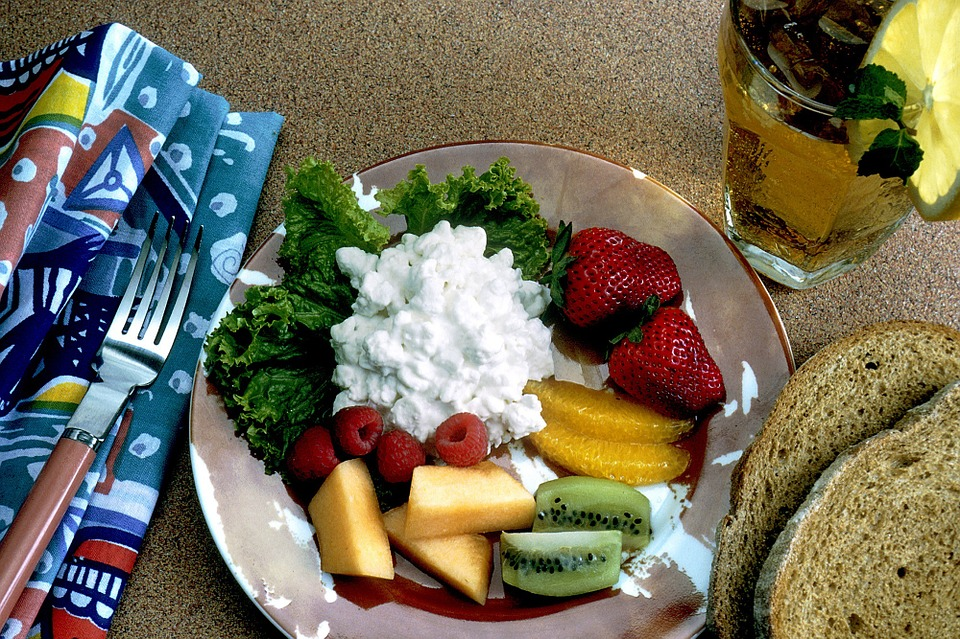 Fruits and cottage cheese what to eat after workout