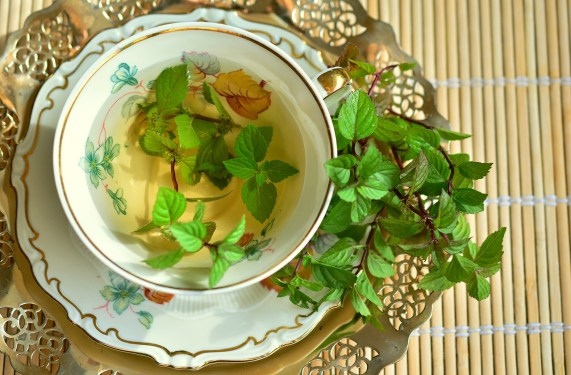green tea for eyelash growth