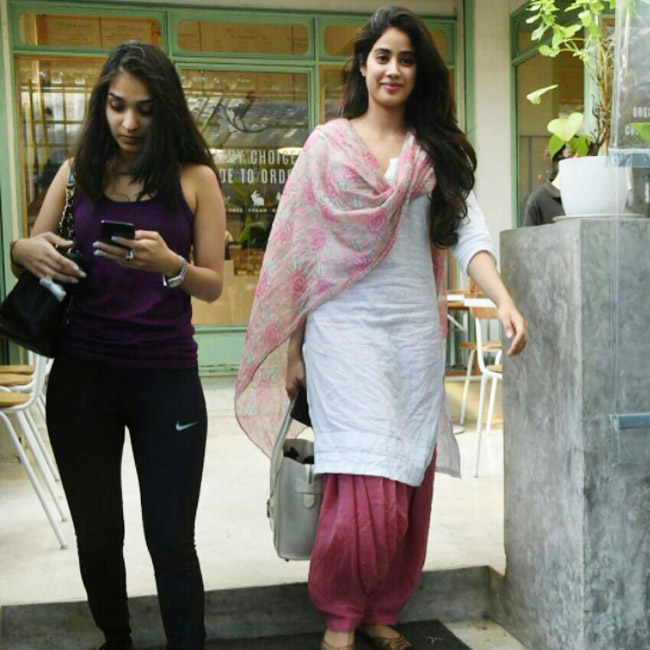 jhanvi kapoor in patiyala suit