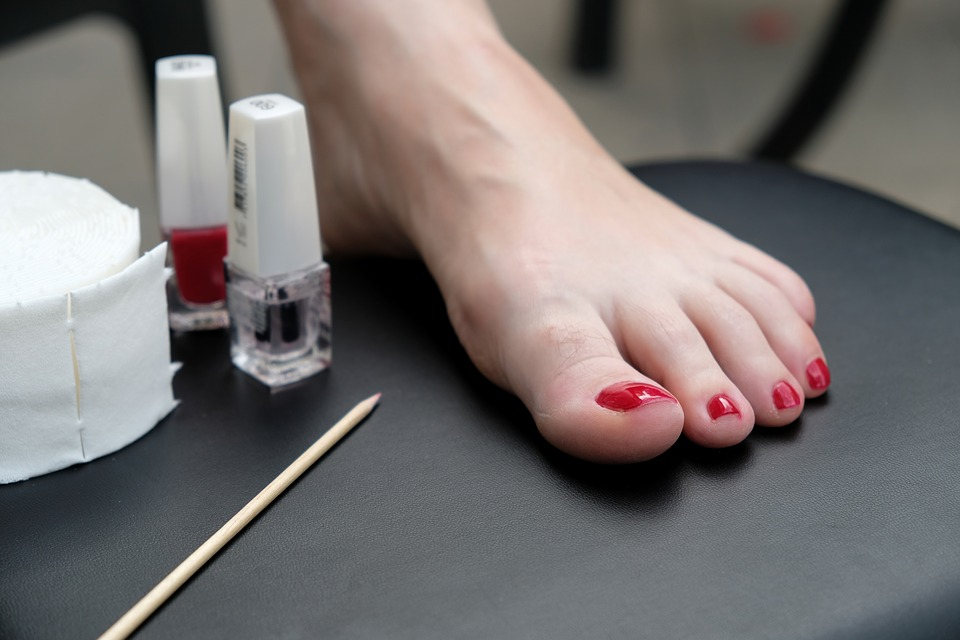 how to do manicure at home