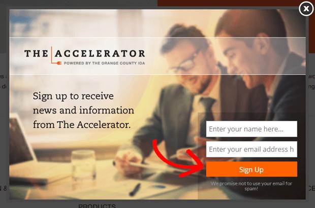 l'acceleratore utilizza pulsanti arancioni per attirare l'attenzione sul suo invito all'azione