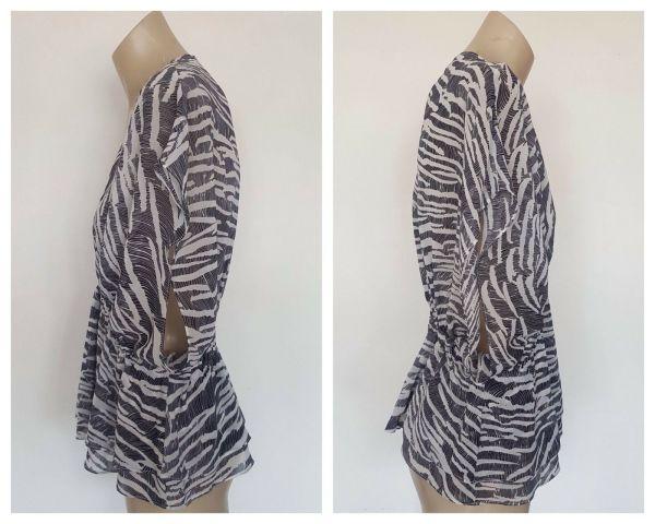 BETTINA LIANO Black & White Zebra Print Short Sleeve Flowing Top Size 10