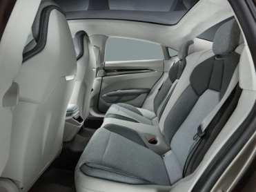 Opulent Club Audi E-Tron GT 13