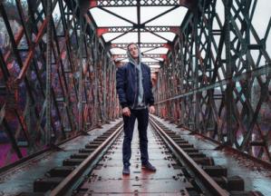 Attends : premier EP pour le rap de Reza