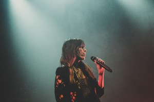[Photos] Lou Doillon + Théa – Le Bikini – 10/04/2019