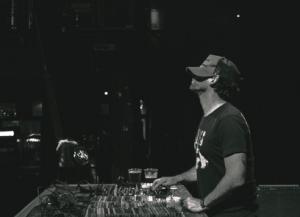 DJ Mulot, à la recherche du beat de l'été !