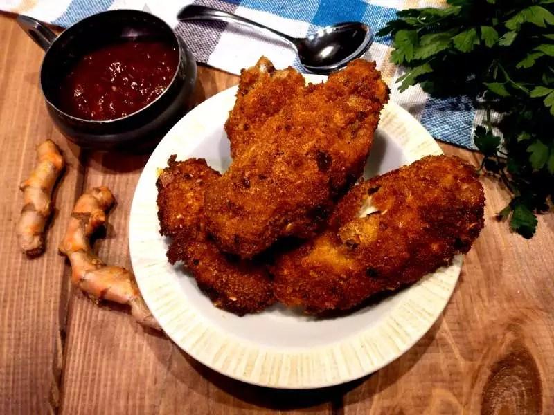 Lekko pikantne panierowane skrzydełka z kurczaka