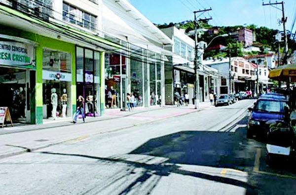 Compras na Rua Teresa em Petrópolis