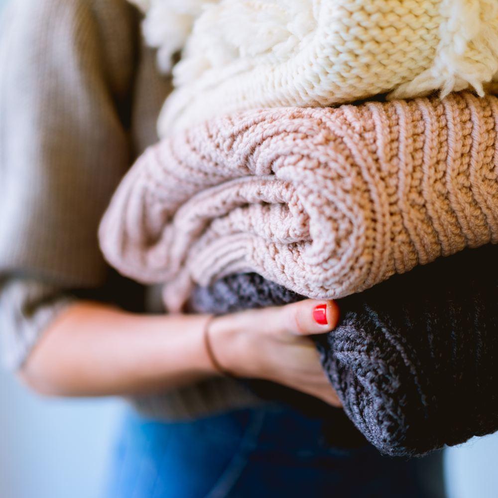 Empreendedora e mãe? Como organizar a lavanderia e lavar roupa sem empregada