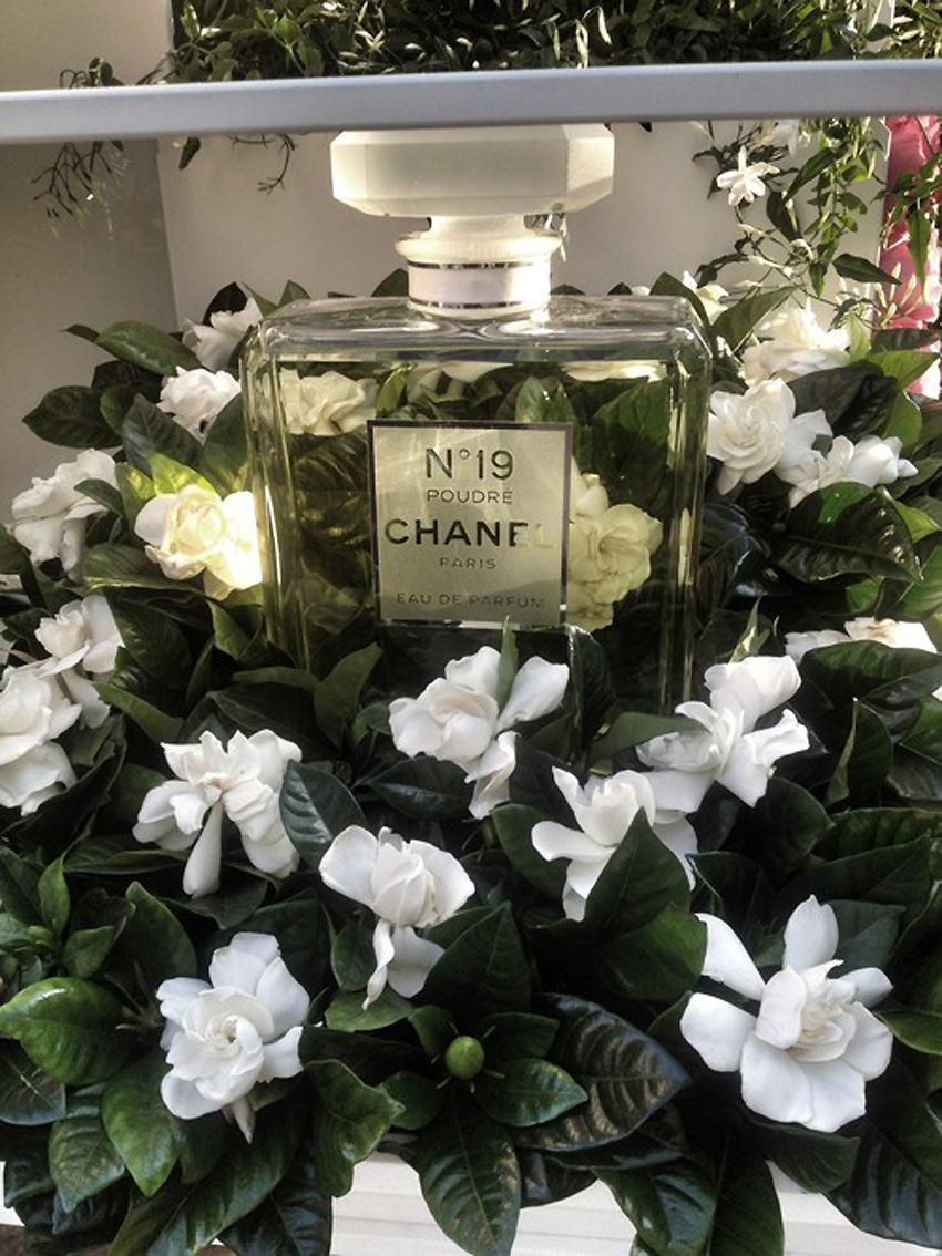 Chanel-Flower-Stall.4