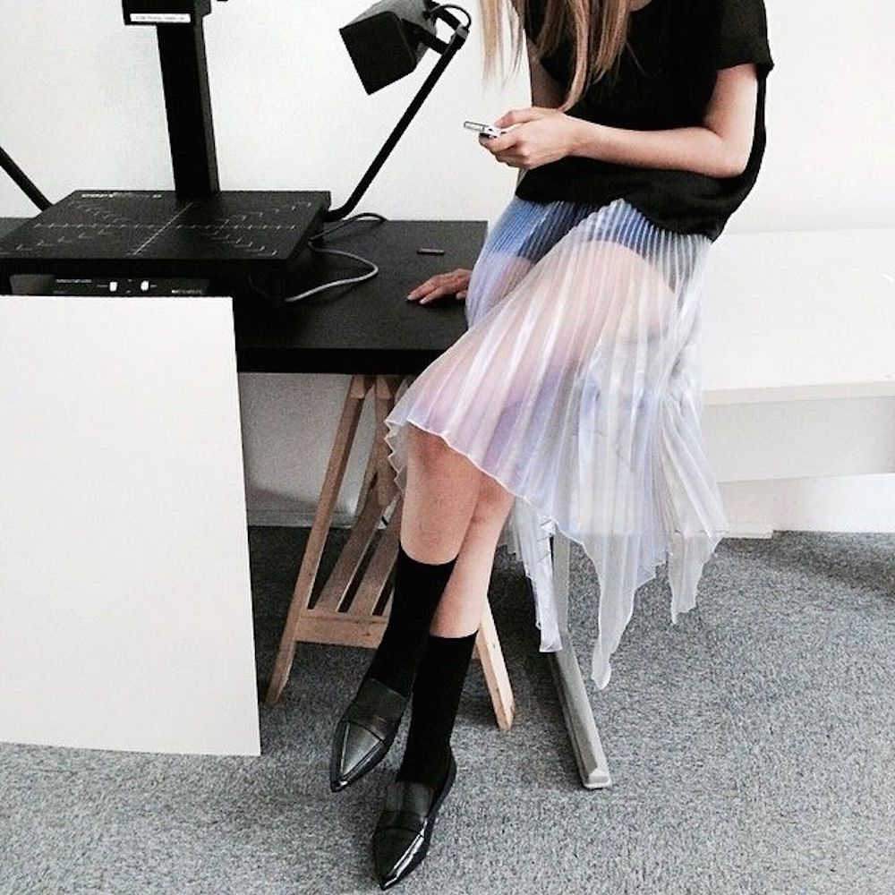21-sheer-pleated-skirt-office-oracle-fox