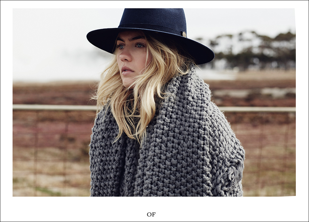 oracle fox journal, Elyse Knowles, Ren Pidgeon, Topshop, Wrandler, Denim styling, photography, fire, smoke, outback, winter, knit, lack of colours, hat