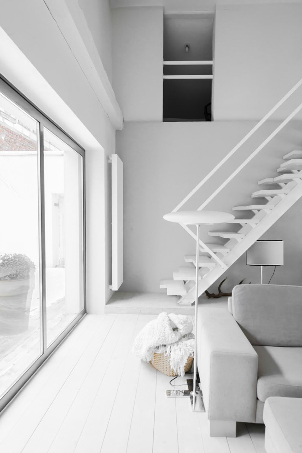 Oracle-Fox-Sunday-Sanctuary-Polish-Farmhouse-White-Minimalist-Interior-Indoor-Plants-Scandinavian-Style-29