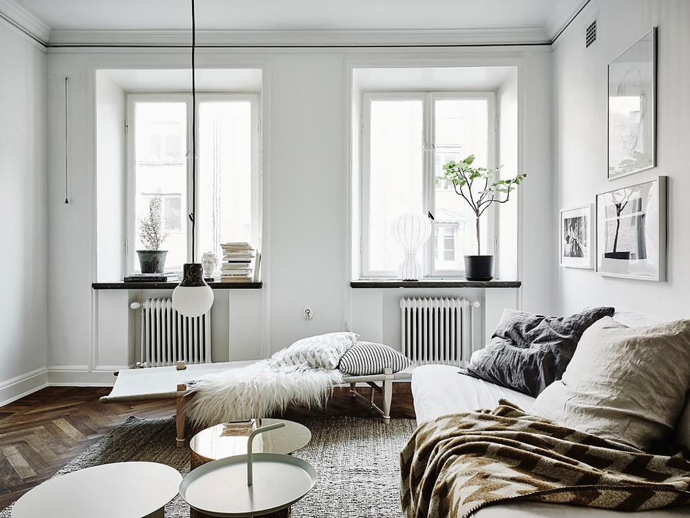 Oracle-Fox-White-Scandinavian-Interior-Bright-Apartment-4