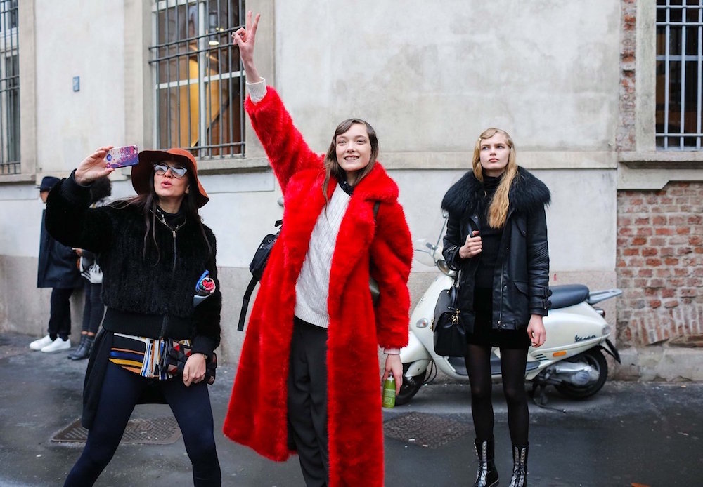 street-style-red-trend-oracle-fox