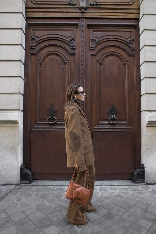 Acne-Corduroy-Brown-Suit-Knot-Bag-Paris.3