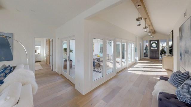 17041-Marina-Bay-Living-Room