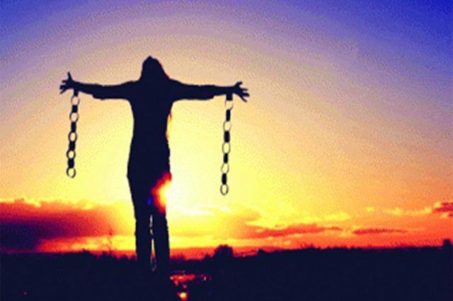 Oração forte de quebra de maldição