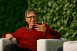 Bill Gates in conversation at AirBnB