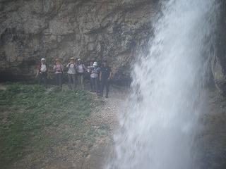 滝反対より