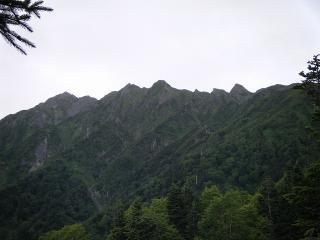 西穂高岳の稜線