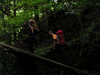 ショートロープによる橋通過