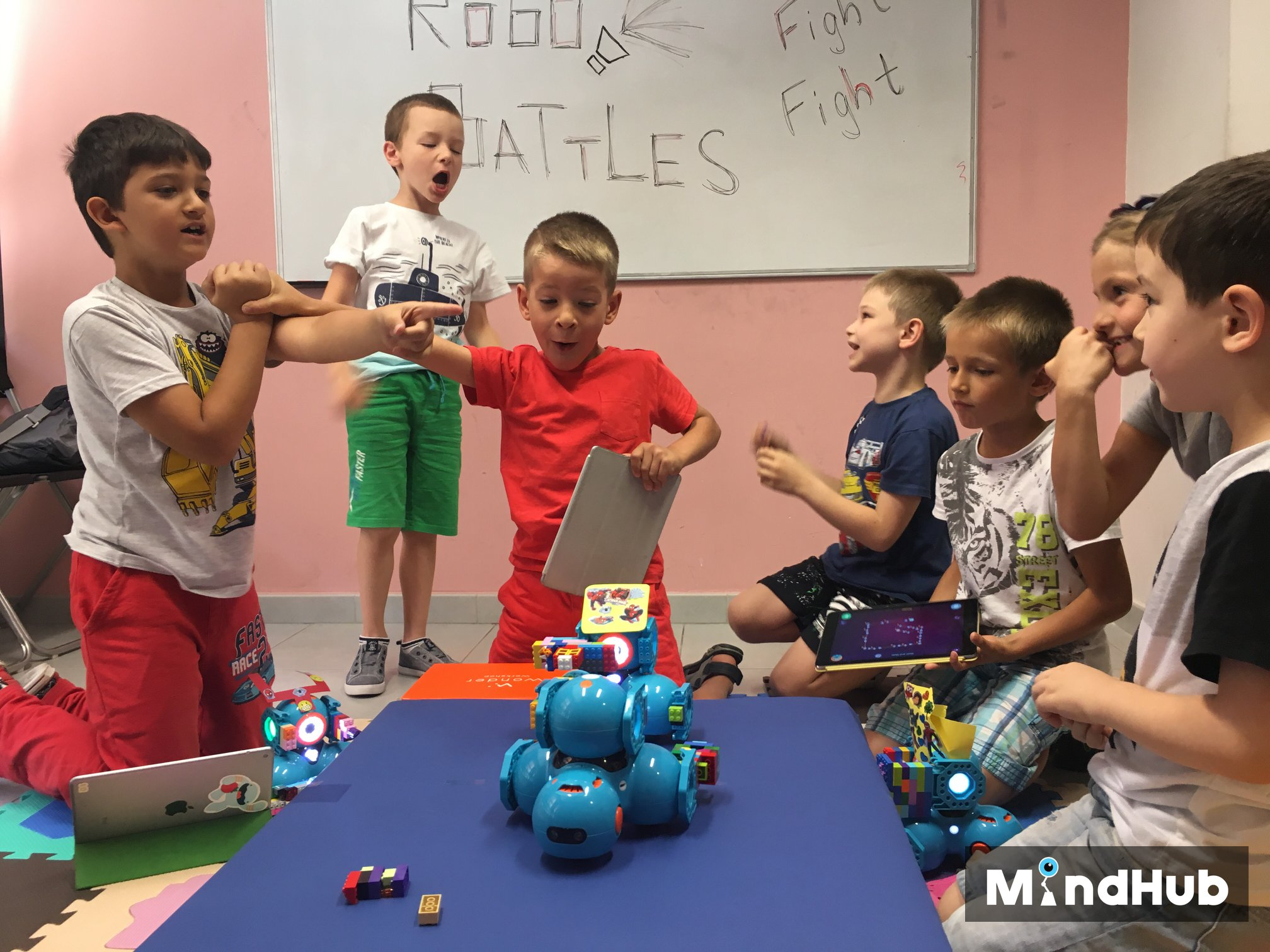 Лятна академия по програмиране за деца от 6 до 11 години
