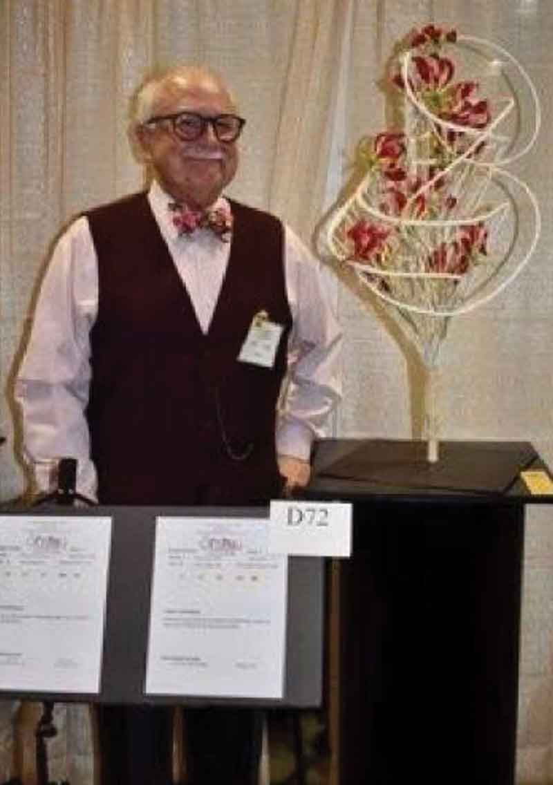 larry huzi at garden club flower show