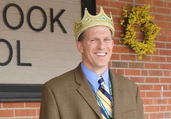 The End of an Era for Race Brook School as Mike Gray Steps Away as Principal