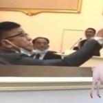 "DUN Melaka kecoh, kehadiran ""babi"" telah menyebabkan DUN terpaksa ditangguh"