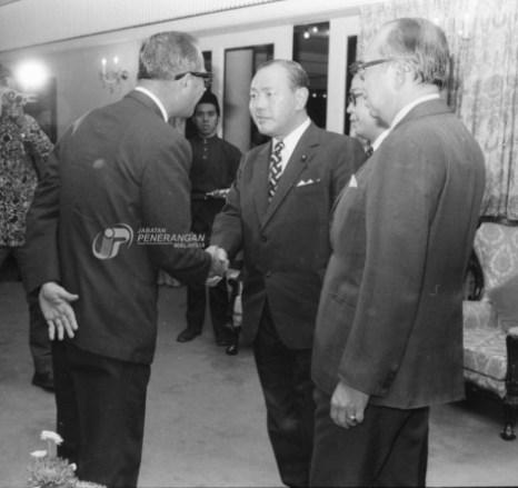 Tun Abdul Razak Dato Hussein Kakuei Tanaka 1974